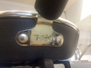 Best Nonstick Cookware Guide - T-Fal handle base